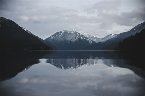 Olympic Mountains reflections - Rhianna Howard : Photographer