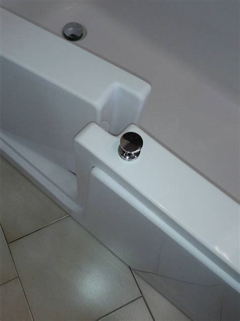 modifica vasca da bagno con sportello vasca con sportello varese bagnosereno it
