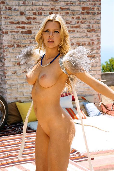Sexy Blonde Sophie Monk Nude Hot Photos Scandal Planet