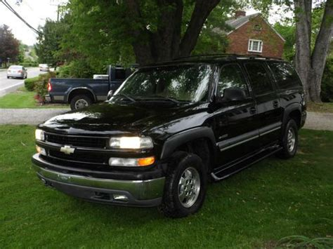 Sell Used 2000 Chevrolet Chevy Suburban 4x4 Suv Loaded Sun