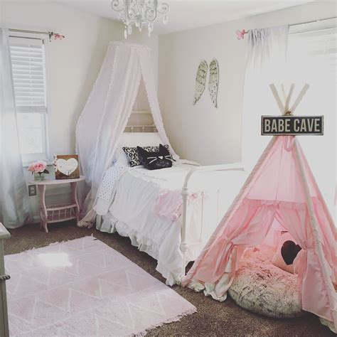 farmhouse style pink  white vintage  girls room
