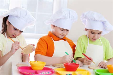 cours de cuisine pour enfants transmettre sa de la cuisine à ses enfants