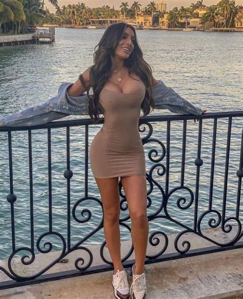 56 Sexy Girls In Tight Dresses Barnorama
