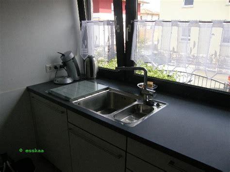 küchenarmatur vor fenster kk4242999 sp 252 le vor dem fenster arbeitsplatte bis zum fenster gezogen esskaa s k 252 che