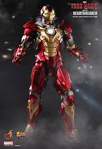 Hot Toys Iron Man 3 Mark 17 QuotHeartbreakerquot Sixth Scale