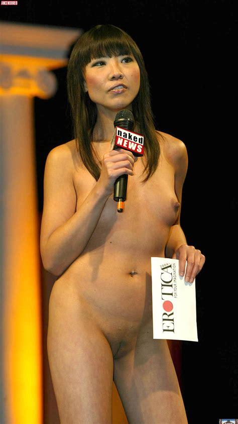 Naked News Nude Pics Página 1