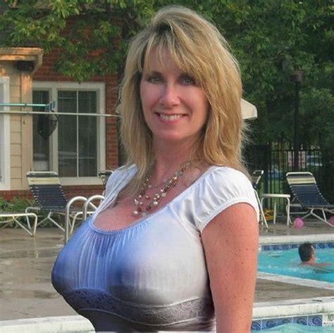 wow super milf rack busty pinterest quill boobs