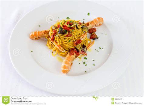 pates aux crevettes roses pates aux crevettes roses 28 images p 226 tes au saumon crevettes et 224 l avocat recettes