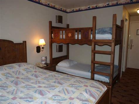 chambre hotel cheyenne chambre picture of disney 39 s hotel cheyenne marne la