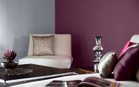 living room decor feature wall in period purple 9558