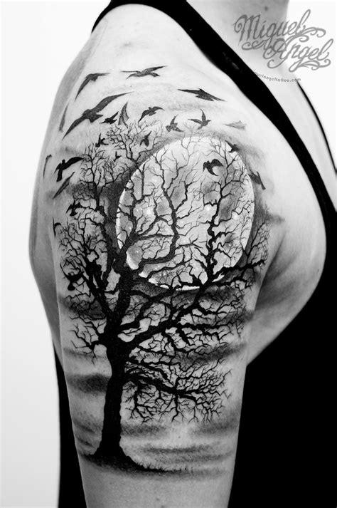 Tree, birds and full moon custom tattoo | Miguel Angel