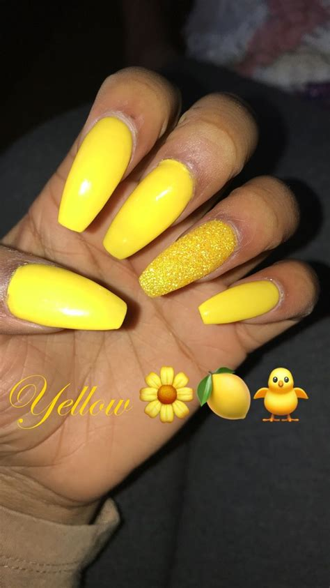 Pin by ShiNautica 😋💘 on Mani & Pedi Yellow nails