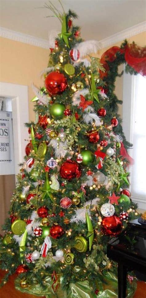 eye catching green christmas tree decorations ideas