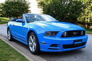1ZVBP8FF0D5270298 - 2013 Ford Mustang Convertible GT Premuim Grabber Blue