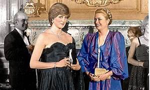 Grace Kelly Beerdigung : princess diana fretted about her dress before princess grace told her 39 it 39 ll only get worse ~ Eleganceandgraceweddings.com Haus und Dekorationen
