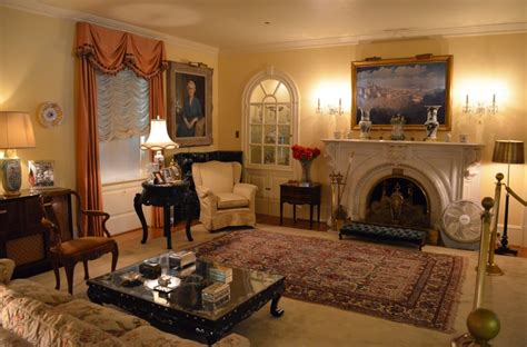 Rugs Home Decorators Collection: Ahdoot's Oriental Rug Decorating Guide: The Orange Room