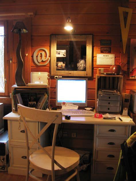 bureau en coin le coin bureau photo 3 13 etagere en caisse en bois