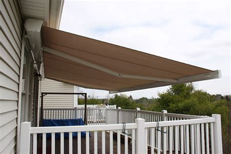 retractable awning great  waterfront properties compact size full cassette protection