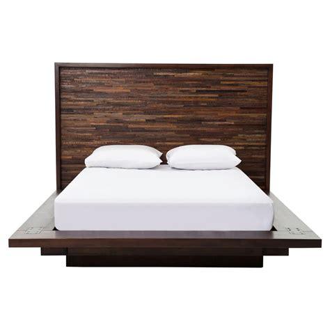 Larson Modern Classic Variegated Wood Headboard Platform