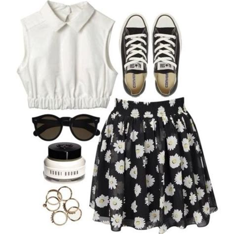 Skirt daisy flowers floral black skater skirt skater summer summer outfits t-shirt ...