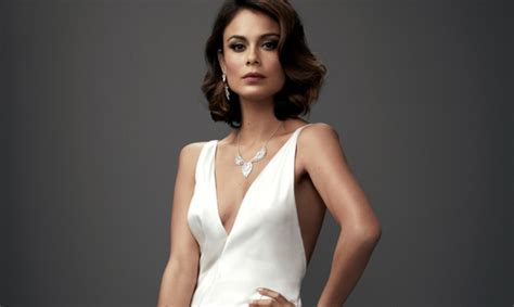 nathalie kelley actress dynasty s nathalie kelley will not be returning for