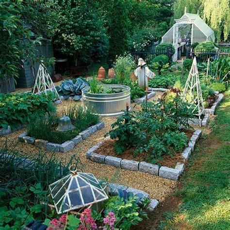 Gartengestaltung Mit Holzkisten by Gem 252 Sebeet Planen Mit Holzkisten Stein Begrenzung Garten