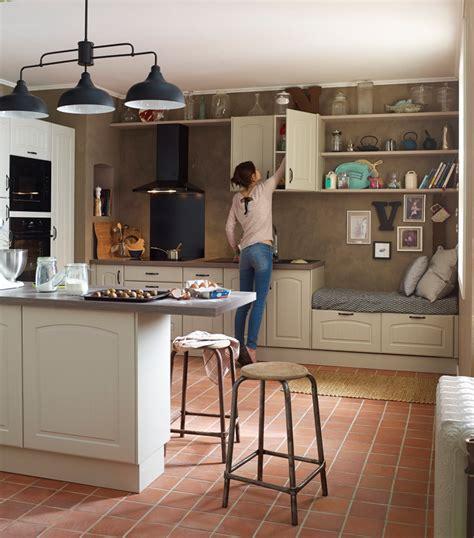 cuisine delinia leroy merlin cuisine en bois un matériau plusieurs styles