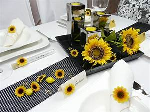 Tischdeko Mit Sonnenblumen : tischkarte mit einer kleinen sonnenblume ~ Lizthompson.info Haus und Dekorationen