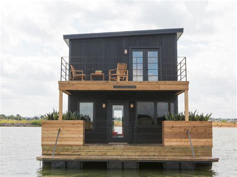 Fixer Upper House Boat by 1000 Images About Chip Joanna Fixer Upper Loveeee This