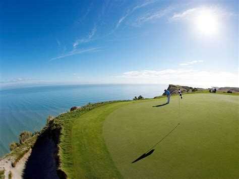 golf extreme courses cape kidnappers most zealand bay alex course club hawke pasquariello hawkes links cntraveler mclennan alamy chris magazine