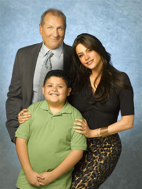 cast of modern family modern family photo 8289561 fanpop