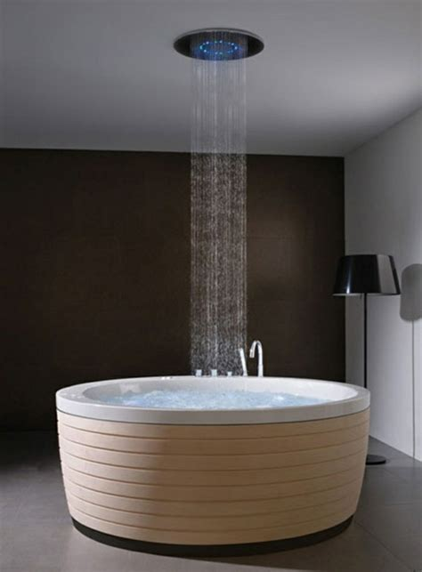 Freistehende Badewanne Mit Dusche by Freistehende Badewanne Blickfang Und Luxus Im Badezimmer