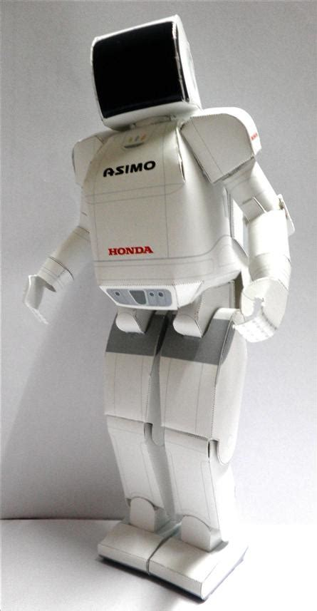 humanoid robot paper model  wall    pm