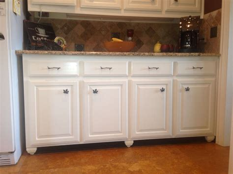 kitchen cabinets that look like furniture make built ins look like free standing furniture paint