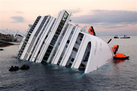 Cruise Ship Sinking Italy by Italy S Cruise Ship Disaster Has Highlighted The Threat
