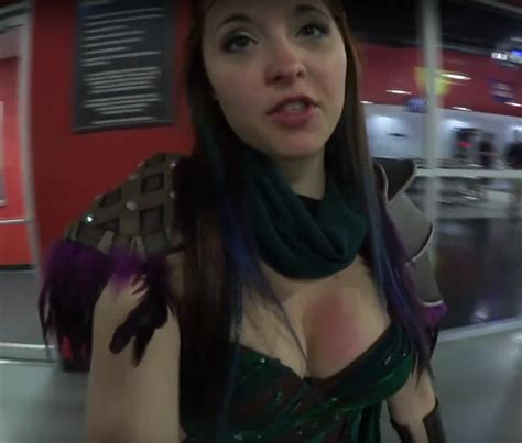 aureylian sexy cleavage pictures 22 pics sexy youtubers