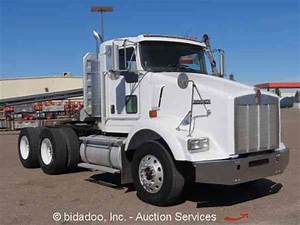 Kenworth T800  2005    Daycab Semi Trucks