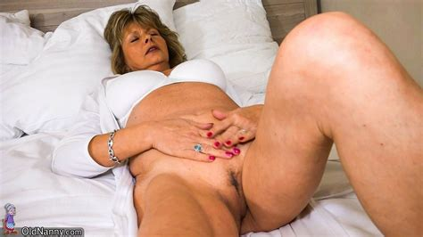 Lesbian Granny And Mature Sex Action Pichunter