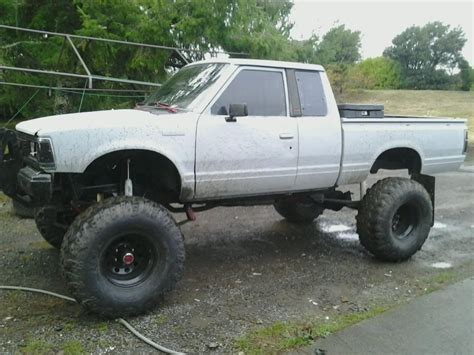 Datsun 720 4x4 by Datsun 720 4x4 Lifted Lifted 720s Post Em Up 720