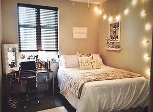 1000 ideas about small apartment bedrooms on pinterest With a little apartment bedroom ideas