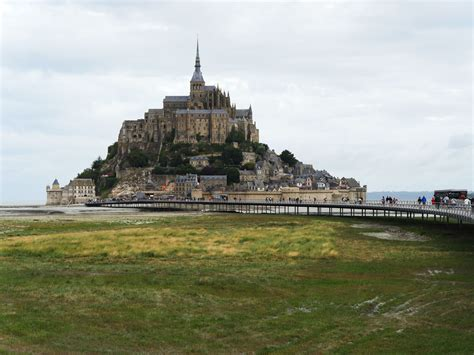 mont michel acces visiter le mont michel week end entre bretagne et normandie
