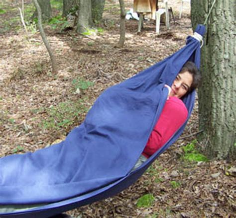 How To Make Hammocks by How To Make A Bed Sheet Hammock Homestead Survival