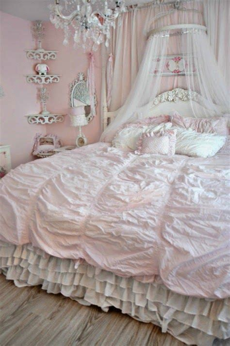 shabby chic style bed 25 delicate shabby chic bedroom decor ideas shelterness