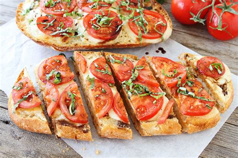recette de pain grille  lail  aux tomates