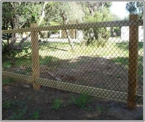 Cheap Backyard Fence Ideas by 1000 Ideas About Spaces On Rooms