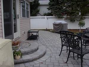 Paver patio ideas for enchanting backyard amaza design for Tips must try small patio ideas