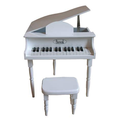 indoor outdoor rug petit piano et tabouret blanc protocol déco en ligne