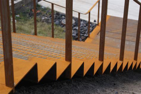 Treppen Aus Stahl by Gerade Treppen Treppen Treppenformen Baunetz Wissen