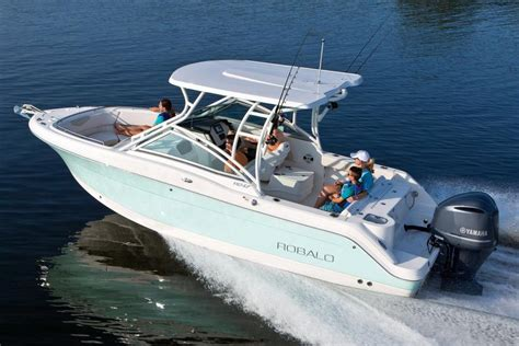 Robalo Boats R247 by 2017 New Robalo R247 Dual Console Bowrider Boat For Sale