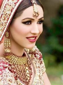fashion mania model ayyan ali in bridal dresses